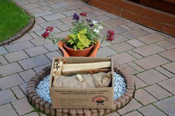 Feuerholz Grillkomplettset mit Holzwolleanzünder, Buchenholzscheite, Anzündholz und Holzkohle